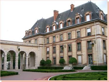 パリ国際大学都市 国際館3  パリ国際大学都市 国際館3 大学は日本館、アメリカ館、スイス館など